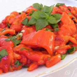 Kırmızı Biber Salatası