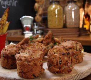 Sosisli Zeytinli Muffin