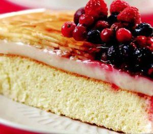 Muhallebili ve Meyveli Pasta