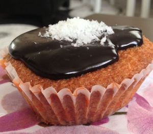Çikolata Soslu Muffin Kek