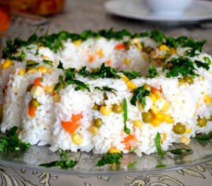 Garnitürlü Pirinç Salatası