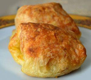 Peynirli Kolay Puf Böreği