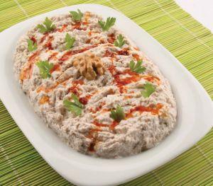 Labneli Patlıcanlı Salata