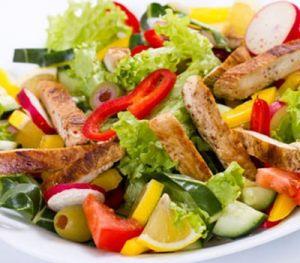 Tavuklu İspanyol Salatası Tarifi